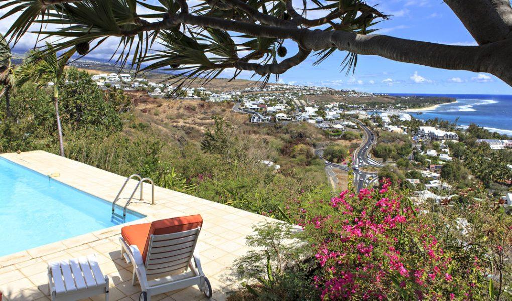 Photo du jardin de la villa avec vue sur la page